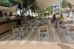Алуминиеви маси за кафенета с различни големини плотове