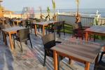 комфортни маси и столове за заведения от ратан