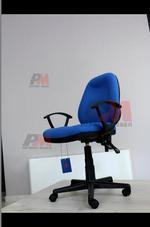ефектно изпълнение на евтини офис столове